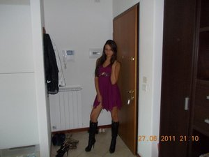 Hassie from Chignik, Alaska is looking for adult webcam chat