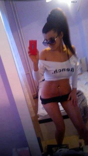 Celena from Harrah, Washington is looking for adult webcam chat