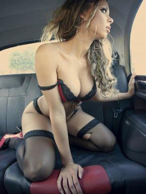 Aura from Earlysville, Virginia is looking for adult webcam chat